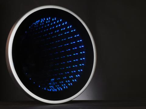 Alive! Wi-Fi LED Infinity Mirror